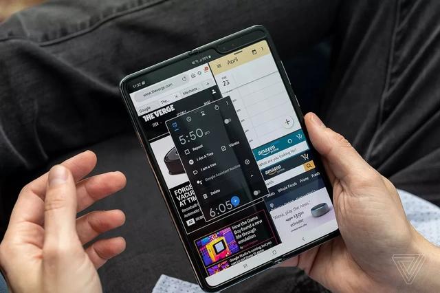 Galaxy Fold bán tại Hàn Quốc có giá 1.980 USD
